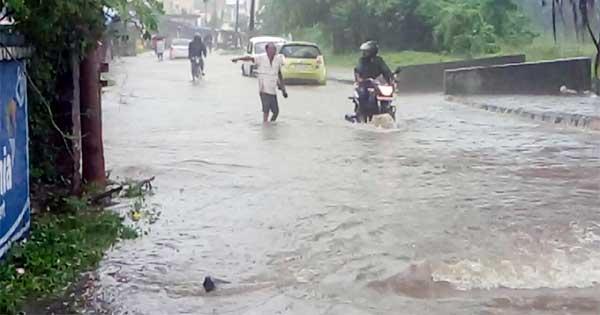 रिमझि, बारिश से जलमग्न हुआ दुर्गापुर