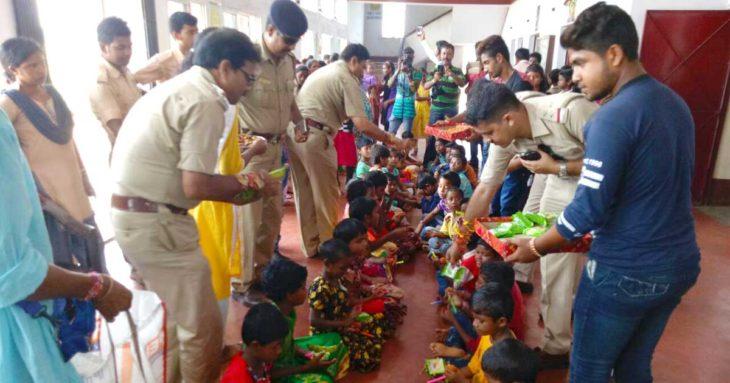 जागरण फाउंडेशन ने अनाथ बच्चों के साथ मनाया रक्षा बंधन