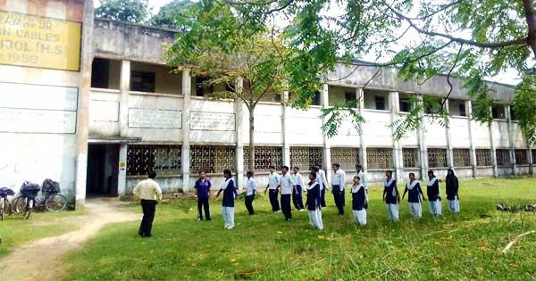 हिंदुस्तान केबल्स के बंद हो जाने के बाद अनाथ हो चुके विद्यालयों के सरकारी अधिग्रहण के खबर से शिक्षक, विद्यार्थी समेत सभी लोगों में उम्मीद की नयी किरण जागी है