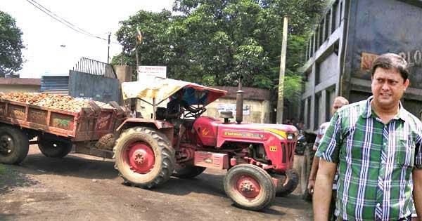 सलानपुर बीएलआरओ ने की सघन छापेमारी, प्लांट से बरामद किया अवैध पत्थर से लदा ट्रैक्टर